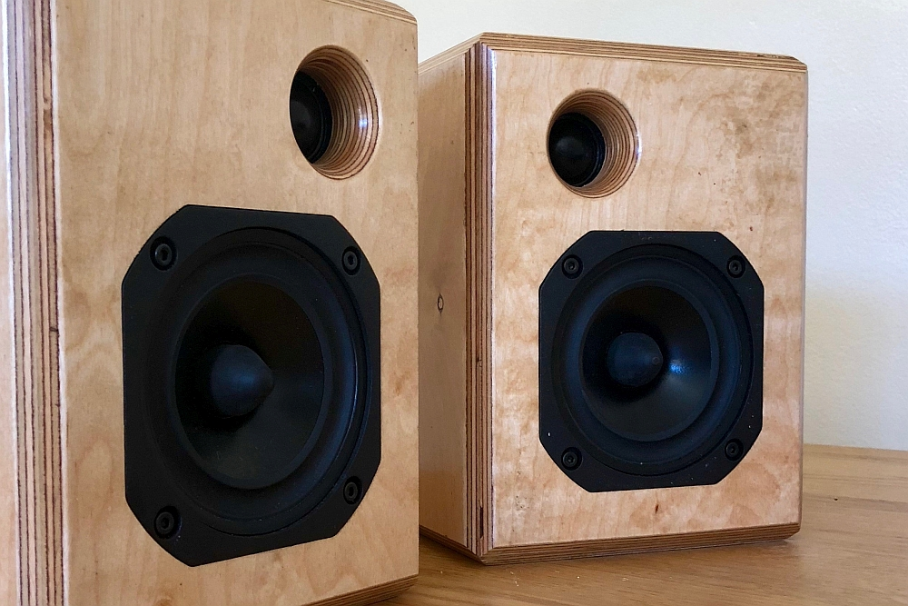 SoundStageAustralia com - Microphase Audio Design SAT Mk II Loudspeakers